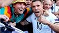02h45 ngày 23/3, Đức - Anh: Tạm biệt Podolski, đón chào 'dòng máu mới'