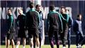 Barca chọn ai thay Enrique cũng phải nhìn... Messi