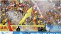 Nam Định vừa lên hạng đã nhận án phạt vì CĐV đốt pháo sáng