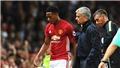 Sheringham: 'Sir Alex sẽ không bao giờ làm điều Mourinho đang làm'