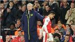 Wenger đừng 'ngoan cố', nên từ bỏ ảo tưởng giữ Sanchez