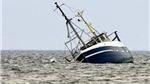 Lật tàu chở 51 người ngoài khơi Indonesia, ít nhất có 8 người thiệt mạng