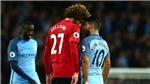 Mourinho: 'Tôi vừa gặp Aguero. Cậu ta đâu có vỡ mũi, vỡ mặt, vỡ đầu. Sao thẻ đỏ?'