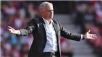 Đến Mourinho cũng không biết tại sao bị truất quyền chỉ đạo khi M.U thắng Southampton