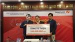 Người đeo mặt nạ chú Tễu nhận giải Jackpot 43 tỉ đồng tặng từ thiện 200 triệu đồng