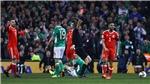 O'Shea cảm ơn Bale vì không khiến mình... gãy chân như Coleman