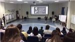 Chuyện thầy Phó Hiệu trưởng trường ĐH Hoa Sen: Quần soóc, áo vest và sự sáng tạo