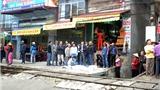 Hà Nội: Băng qua đường sắt, nữ bác sĩ bị tàu đâm tử vong