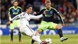 VIDEO: Ronaldo gọi, Callejon trả lời, Real đại thắng Ajax