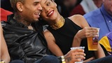 Rihanna tận hưởng Giáng sinh bên chàng bồ tai tiếng Chris Brown