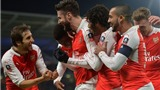 Hull 0-4 Arsenal: Giroud, Walcott cùng lập cú đúp, Pháo thủ vào Tứ kết FA Cup