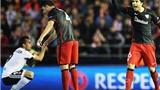 Valencia 2–1 Bilbao (chung cuộc 2-2): Trọng tài mắc sai lầm, Neville dính thẻ đỏ, Valencia bị loại
