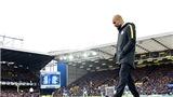 Pep Guardiola lạc lối ở sương mù vì bảo thủ hay tài năng?