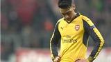 Mesut Oezil đáng bị fan Arsenal chỉ trích