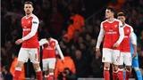HLV Arsene Wenger đã hết BÀI ở Arsenal?