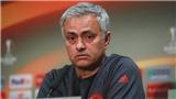 Mourinho: 'Bailly ngây thơ quá. Man United chỉ mạnh nhất khi đá... lượt đi'