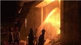 Cháy nổ dữ dội tại kho hàng gần 5.000 m2 trong cảng Sài Gòn