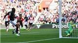 Southampton 0-1 M.U, Stoke 0-4 Chelsea, Man City 5-0 C.Palace: Căng thẳng cuộc đua thành Manchester (FT)
