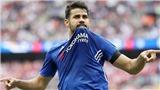 Costa mặc áo Atletico quay video, mượn bình luận của Fabregas để móc máy Conte