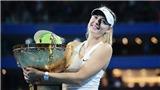 TENNIS ngày 8/8: 'Hiện tượng' 20 tuổi cân bằng thành tích của Nadal. Sharapova đón tin vui