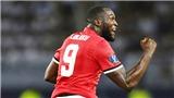 VIDEO: Quá tham lam, Lukaku cướp mất cơ hội làm bàn của M.U, bị Toni Kroos cười nhạo
