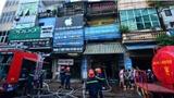 Hà Nội: cảnh sát PCCC cắt khóa cửa nhà dân, dập tắt đám cháy kinh hoàng lúc lúc nửa đêm