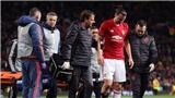 Fan Chelsea tức tối vì cầu thủ nhà gửi lời chúc bình phục với Ibrahimovic