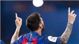 Ronaldo lại bị 'đá xoáy' khi Messi kí hợp đồng mới với Barcelona