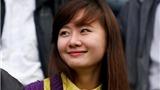 CHÙM ẢNH: Ngắm CĐV nữ xinh đẹp của đội Than Quảng Ninh