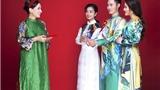 Giám khảo Phi Nhung thân thiết Top 3 'Solo cùng Bolero'