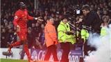 Sadio Mane ghi bàn phút bù giờ, Liverpool lên thứ hai Premier League