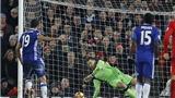 Liverpool 1-1 Chelsea: Luiz đá phạt tinh quái, Costa trượt penalty, Chelsea mất 2 điểm