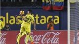 CĐV Barca cay cú khi trọng tài 'tặng' penalty cho Real Madrid
