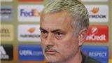 NÓNG: Jose Mourinho chê sân Rostov như... thửa ruộng