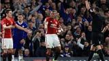 Chelsea 1-0 Man United: Herrera bị đuổi, 'siêu phẩm' của Kante giúp Chelsea đi tiếp
