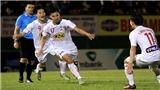 HAGL hạ Quảng Nam bằng bàn thắng gây tranh cãi