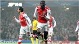 Adebayor và Sanogo cùng lập hat-trick trong ngày Arsenal thua thảm