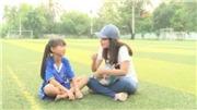 Bé gái thần tượng Messi trổ tài tâng bóng điệu nghệ, mơ được khoác áo tuyển nữ Việt Nam