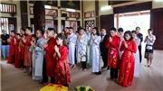 Chùm ảnh: 14 cặp đôi tại Hà Nội tổ chức lễ cưới tập thể nơi cửa Phật