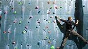 Hai kỷ lục thế giới mới về leo núi được thiết lập trong một ngày