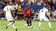 Xem Lukaku bị rách toạc áo, lỡ cơ hội ngon ăn ở trận ra mắt Man United