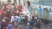Fan Arsenal và Man City đánh nhau dữ dội sau trận bán kết FA Cup