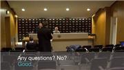 Mourinho 'tẽn tò' rời phòng họp báo vì bị phóng viên làm ngơ