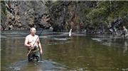 Chuyến phiêu lưu ở Siberia: ông Putin gác chuyện chính trường đi săn cá, dã ngoại, tắm nắng