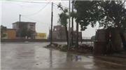 VIDEO: Mưa lớn gió giật ở tâm bão số 10