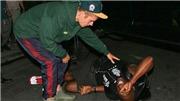 VIDEO: Toàn cảnh vụ Justin Bieber lái xe tông vào tay săn ảnh