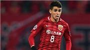 4 cầu thủ Trung Quốc định 'đánh hội đồng' Oscar sau một pha phá bóng