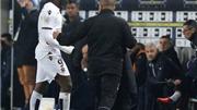 Balotelli bị đuổi vì đá đối thủ trong trận đấu Nice thi đấu với 9 người