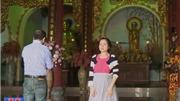'Chống' váy ngắn vào chùa, Đà Nẵng cho du khách mượn váy dài