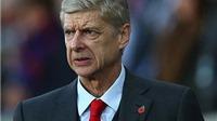 Nội bộ Arsenal cho rằng Arsene Wenger đã mắc sai lầm chiến thuật trước Swansea